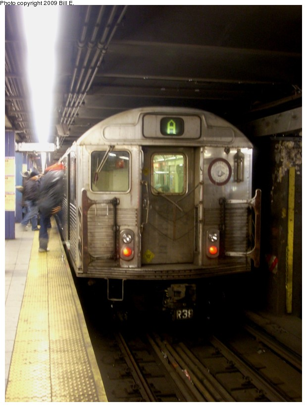 (135k, 620x820)<br><b>Country:</b> United States<br><b>City:</b> New York<br><b>System:</b> New York City Transit<br><b>Line:</b> IND 8th Avenue Line<br><b>Location:</b> Chambers Street/World Trade Center <br><b>Route:</b> A<br><b>Car:</b> R-38 (St. Louis, 1966-1967)   <br><b>Photo by:</b> Bill E.<br><b>Date:</b> 1/3/2009<br><b>Viewed (this week/total):</b> 0 / 1650