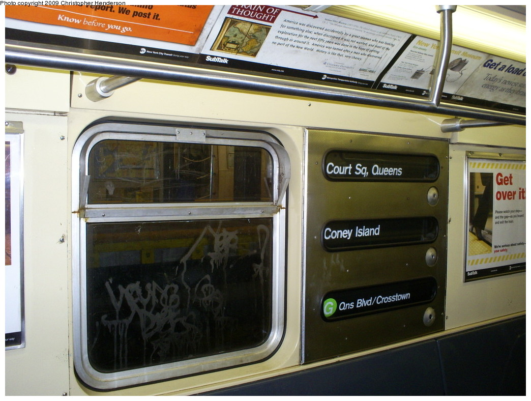 (257k, 1044x788)<br><b>Country:</b> United States<br><b>City:</b> New York<br><b>System:</b> New York City Transit<br><b>Route:</b> G<br><b>Car:</b> R-32 (Budd, 1964)  3835 <br><b>Photo by:</b> Christopher Henderson<br><b>Date:</b> 1/26/2009<br><b>Viewed (this week/total):</b> 5 / 1982