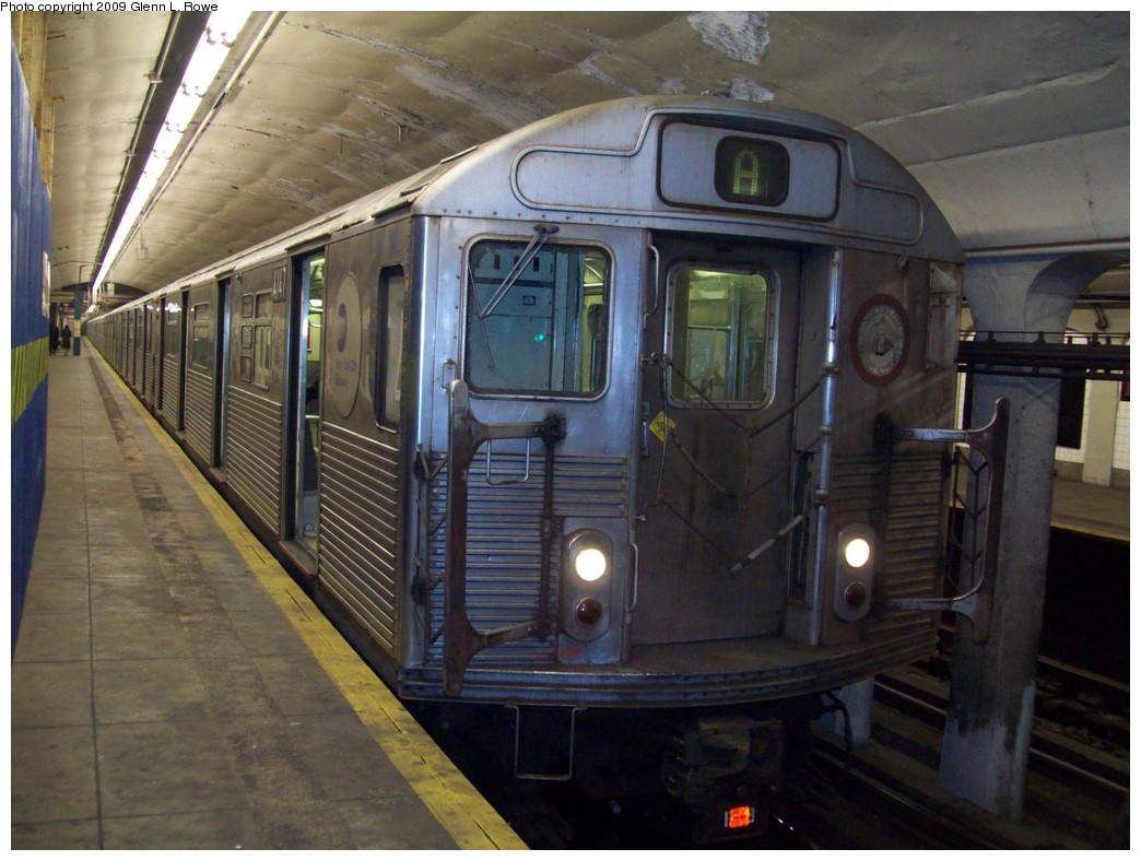 (207k, 1044x788)<br><b>Country:</b> United States<br><b>City:</b> New York<br><b>System:</b> New York City Transit<br><b>Line:</b> IND 8th Avenue Line<br><b>Location:</b> 190th Street/Overlook Terrace <br><b>Route:</b> A<br><b>Car:</b> R-38 (St. Louis, 1966-1967)  4147 <br><b>Photo by:</b> Glenn L. Rowe<br><b>Date:</b> 1/30/2009<br><b>Viewed (this week/total):</b> 0 / 1460