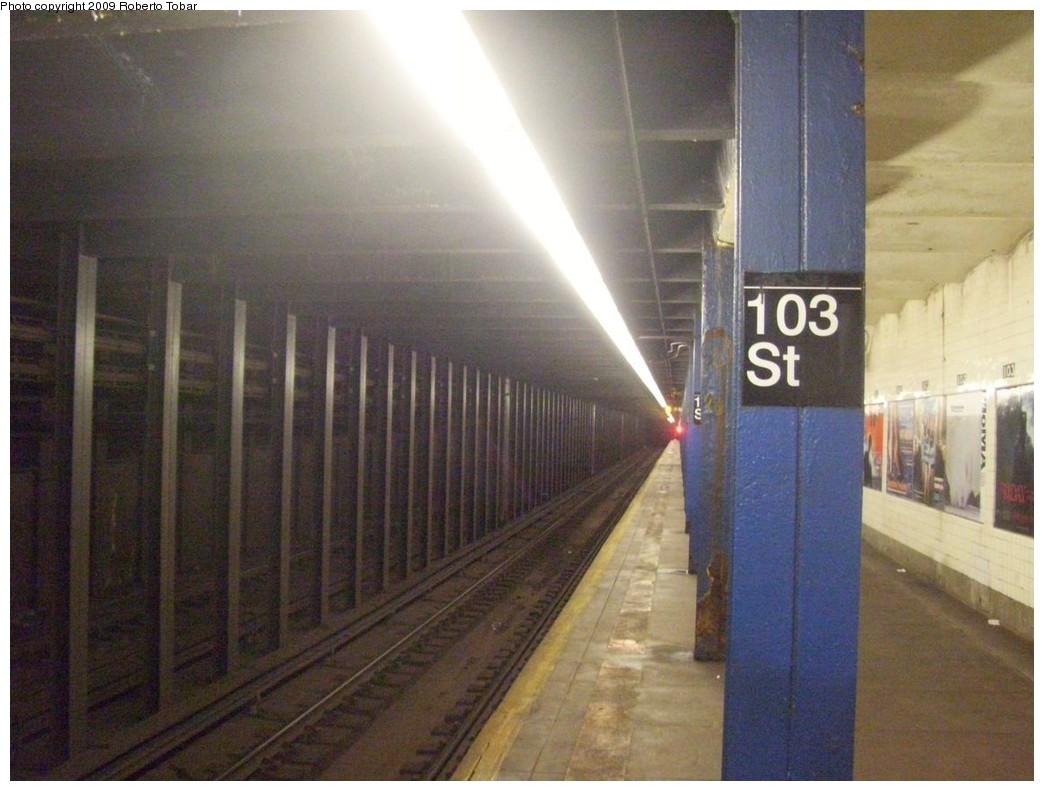 (191k, 1044x791)<br><b>Country:</b> United States<br><b>City:</b> New York<br><b>System:</b> New York City Transit<br><b>Line:</b> IND 8th Avenue Line<br><b>Location:</b> 103rd Street <br><b>Photo by:</b> Roberto C. Tobar<br><b>Date:</b> 1/30/2009<br><b>Notes:</b> Station view<br><b>Viewed (this week/total):</b> 1 / 2088