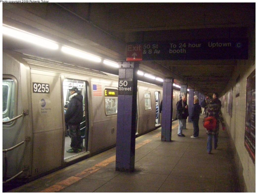 (203k, 1044x791)<br><b>Country:</b> United States<br><b>City:</b> New York<br><b>System:</b> New York City Transit<br><b>Line:</b> IND Queens Boulevard Line<br><b>Location:</b> 50th Street <br><b>Route:</b> E<br><b>Car:</b> R-160A (Option 1) (Alstom, 2008-2009, 5 car sets)  9255 <br><b>Photo by:</b> Roberto C. Tobar<br><b>Date:</b> 1/30/2009<br><b>Viewed (this week/total):</b> 1 / 2214
