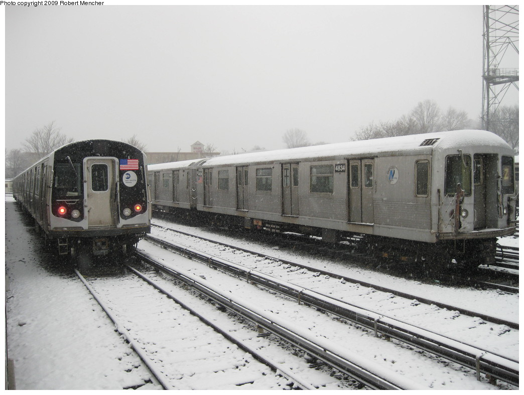 (199k, 1044x788)<br><b>Country:</b> United States<br><b>City:</b> New York<br><b>System:</b> New York City Transit<br><b>Location:</b> East New York Yard/Shops<br><b>Car:</b> R-42 (St. Louis, 1969-1970)  4834 <br><b>Photo by:</b> Robert Mencher<br><b>Date:</b> 2/3/2009<br><b>Viewed (this week/total):</b> 0 / 1276
