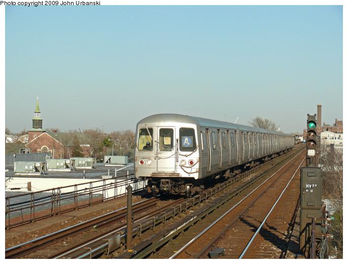 (135k, 686x520)<br><b>Country:</b> United States<br><b>City:</b> New York<br><b>System:</b> New York City Transit<br><b>Line:</b> IND Rockaway<br><b>Location:</b> Beach 98th Street/Playland <br><b>Route:</b> A<br><b>Car:</b> R-44 (St. Louis, 1971-73) 5232 <br><b>Photo by:</b> John Urbanski<br><b>Date:</b> 2/1/2009<br><b>Viewed (this week/total):</b> 0 / 1410