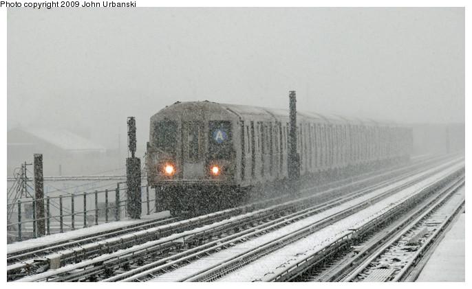 (104k, 686x421)<br><b>Country:</b> United States<br><b>City:</b> New York<br><b>System:</b> New York City Transit<br><b>Line:</b> IND Fulton Street Line<br><b>Location:</b> 88th Street/Boyd Avenue <br><b>Route:</b> A<br><b>Car:</b> R-40 (St. Louis, 1968)  4283 <br><b>Photo by:</b> John Urbanski<br><b>Date:</b> 2/3/2009<br><b>Viewed (this week/total):</b> 3 / 2060