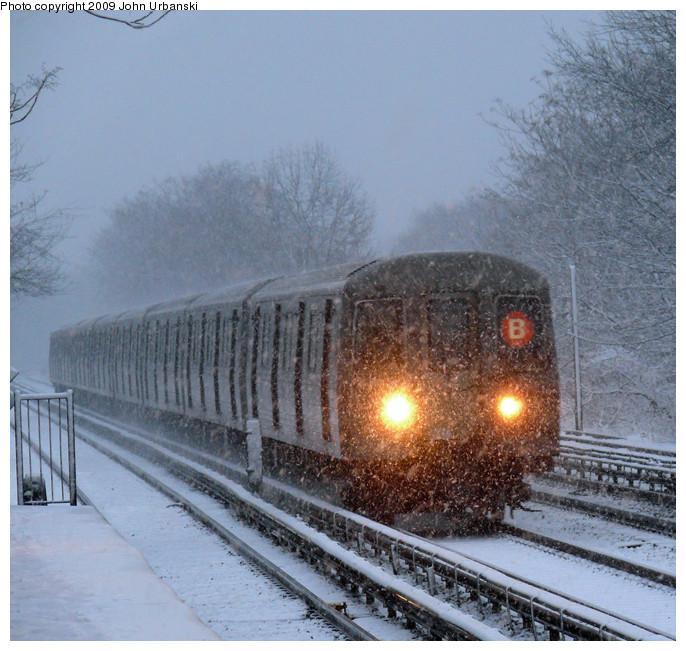 (181k, 686x651)<br><b>Country:</b> United States<br><b>City:</b> New York<br><b>System:</b> New York City Transit<br><b>Line:</b> BMT Brighton Line<br><b>Location:</b> Neck Road <br><b>Route:</b> B<br><b>Car:</b> R-68 (Westinghouse-Amrail, 1986-1988)  2896 <br><b>Photo by:</b> John Urbanski<br><b>Date:</b> 2/3/2009<br><b>Viewed (this week/total):</b> 0 / 2266