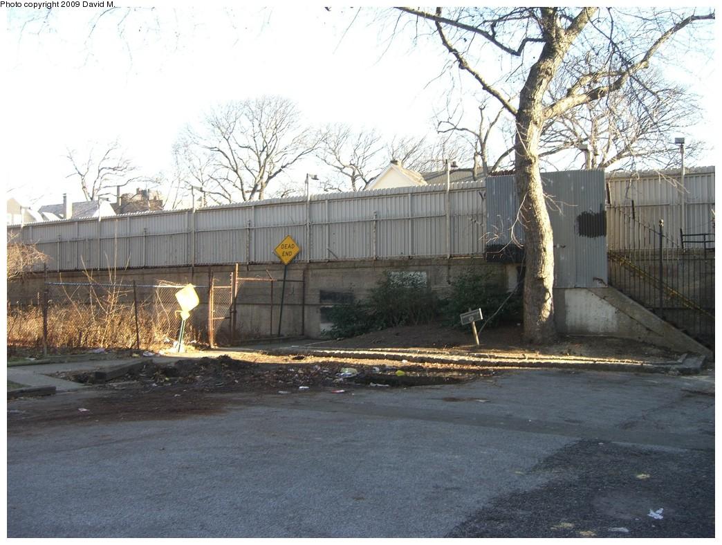 (248k, 1044x788)<br><b>Country:</b> United States<br><b>City:</b> New York<br><b>System:</b> New York City Transit<br><b>Line:</b> BMT Brighton Line<br><b>Location:</b> Avenue H <br><b>Photo by:</b> David M. <br><b>Date:</b> 12/28/2008<br><b>Notes:</b> Avenue H entrance/exit from E 15th St side.<br><b>Viewed (this week/total):</b> 2 / 1364