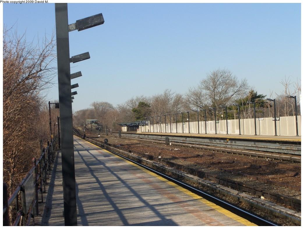 (224k, 1044x788)<br><b>Country:</b> United States<br><b>City:</b> New York<br><b>System:</b> New York City Transit<br><b>Line:</b> IND Rockaway<br><b>Location:</b> Aqueduct/North Conduit Avenue <br><b>Photo by:</b> David M. <br><b>Date:</b> 12/28/2008<br><b>Viewed (this week/total):</b> 0 / 936