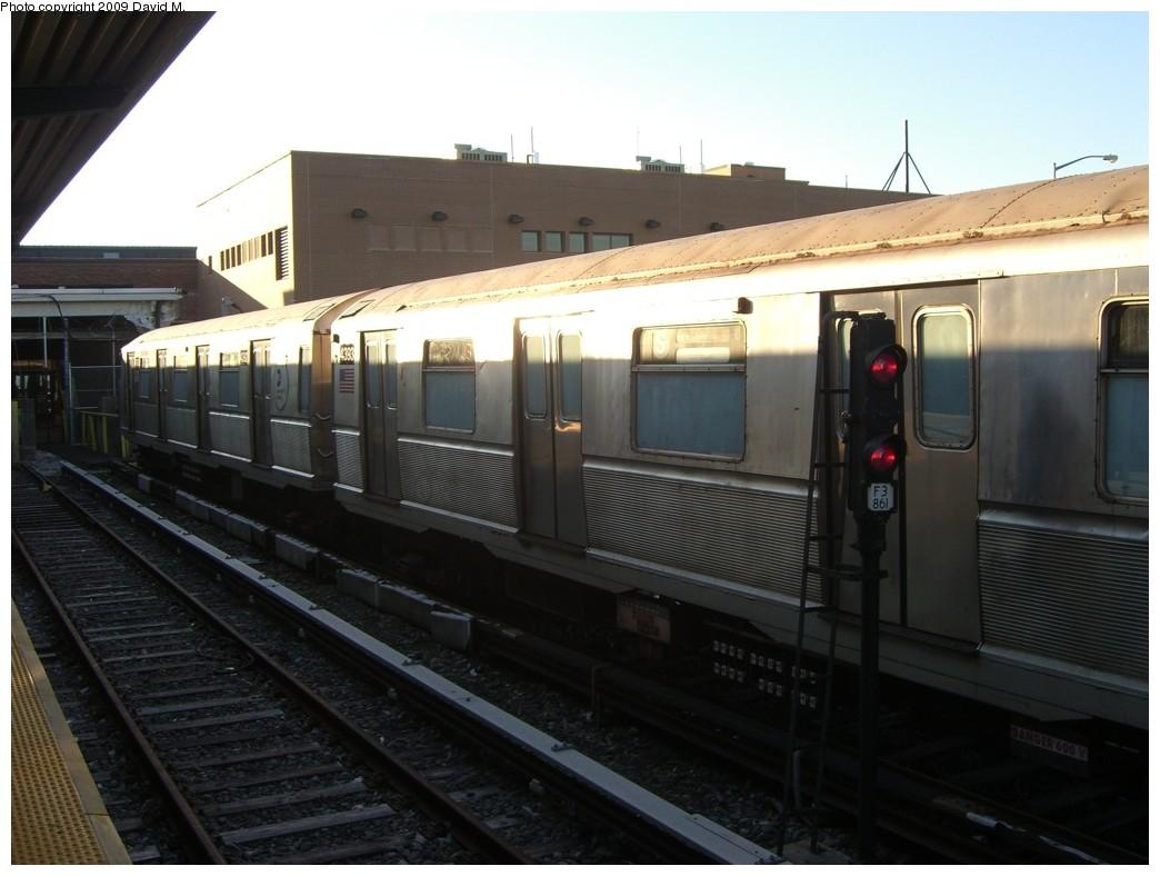 (160k, 1044x788)<br><b>Country:</b> United States<br><b>City:</b> New York<br><b>System:</b> New York City Transit<br><b>Location:</b> Rockaway Park Yard<br><b>Car:</b> R-40 (St. Louis, 1968)  4393 <br><b>Photo by:</b> David M. <br><b>Date:</b> 12/28/2008<br><b>Viewed (this week/total):</b> 2 / 1127