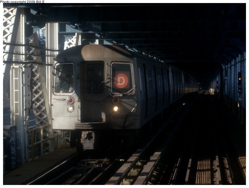 (132k, 820x620)<br><b>Country:</b> United States<br><b>City:</b> New York<br><b>System:</b> New York City Transit<br><b>Location:</b> Manhattan Bridge<br><b>Route:</b> D<br><b>Car:</b> R-68/R-68A Series (Number Unknown)  <br><b>Photo by:</b> Bill E.<br><b>Date:</b> 1/29/2009<br><b>Viewed (this week/total):</b> 0 / 2511