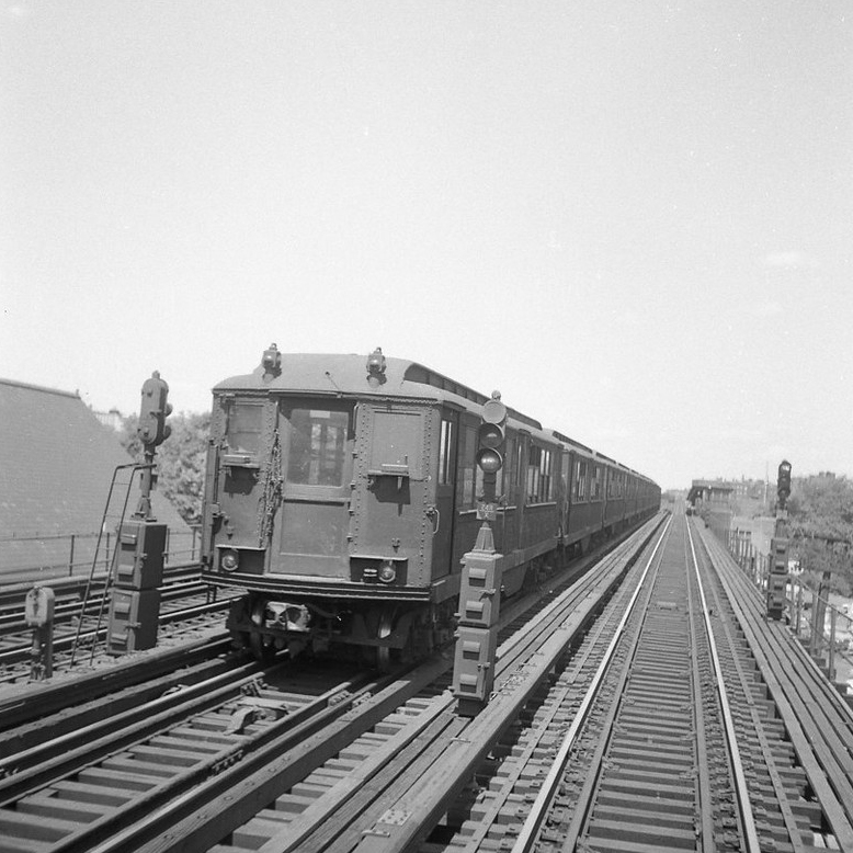 (225k, 1044x726)<br><b>Country:</b> United States<br><b>City:</b> New York<br><b>System:</b> New York City Transit<br><b>Line:</b> IND Rockaway<br><b>Location:</b> Hammels Wye <br><b>Photo by:</b> Joel Shanus<br><b>Viewed (this week/total):</b> 3 / 2099