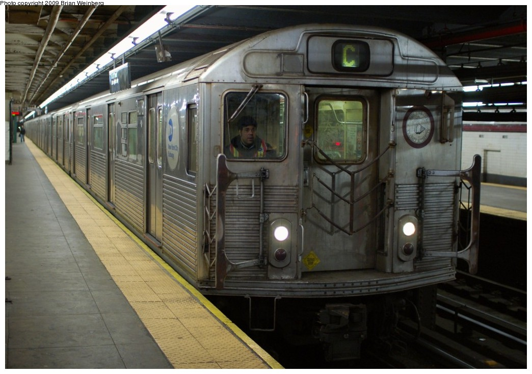 (240k, 1044x733)<br><b>Country:</b> United States<br><b>City:</b> New York<br><b>System:</b> New York City Transit<br><b>Line:</b> IND 8th Avenue Line<br><b>Location:</b> 168th Street <br><b>Route:</b> C<br><b>Car:</b> R-38 (St. Louis, 1966-1967)  4070 <br><b>Photo by:</b> Brian Weinberg<br><b>Date:</b> 2/19/2009<br><b>Viewed (this week/total):</b> 1 / 1817
