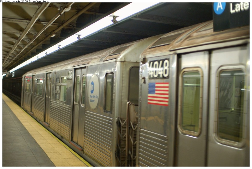 (216k, 1044x700)<br><b>Country:</b> United States<br><b>City:</b> New York<br><b>System:</b> New York City Transit<br><b>Line:</b> IND 8th Avenue Line<br><b>Location:</b> 168th Street <br><b>Route:</b> C<br><b>Car:</b> R-38 (St. Louis, 1966-1967)  4049 <br><b>Photo by:</b> Brian Weinberg<br><b>Date:</b> 2/19/2009<br><b>Viewed (this week/total):</b> 0 / 1399