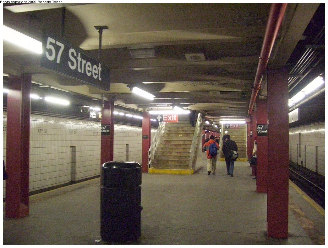 (259k, 1044x791)<br><b>Country:</b> United States<br><b>City:</b> New York<br><b>System:</b> New York City Transit<br><b>Line:</b> IND 6th Avenue Line<br><b>Location:</b> 57th Street <br><b>Photo by:</b> Roberto C. Tobar<br><b>Date:</b> 2/20/2009<br><b>Viewed (this week/total):</b> 2 / 1383