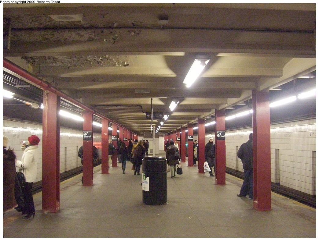 (254k, 1044x791)<br><b>Country:</b> United States<br><b>City:</b> New York<br><b>System:</b> New York City Transit<br><b>Line:</b> IND 6th Avenue Line<br><b>Location:</b> 57th Street <br><b>Photo by:</b> Roberto C. Tobar<br><b>Date:</b> 2/20/2009<br><b>Viewed (this week/total):</b> 0 / 1293
