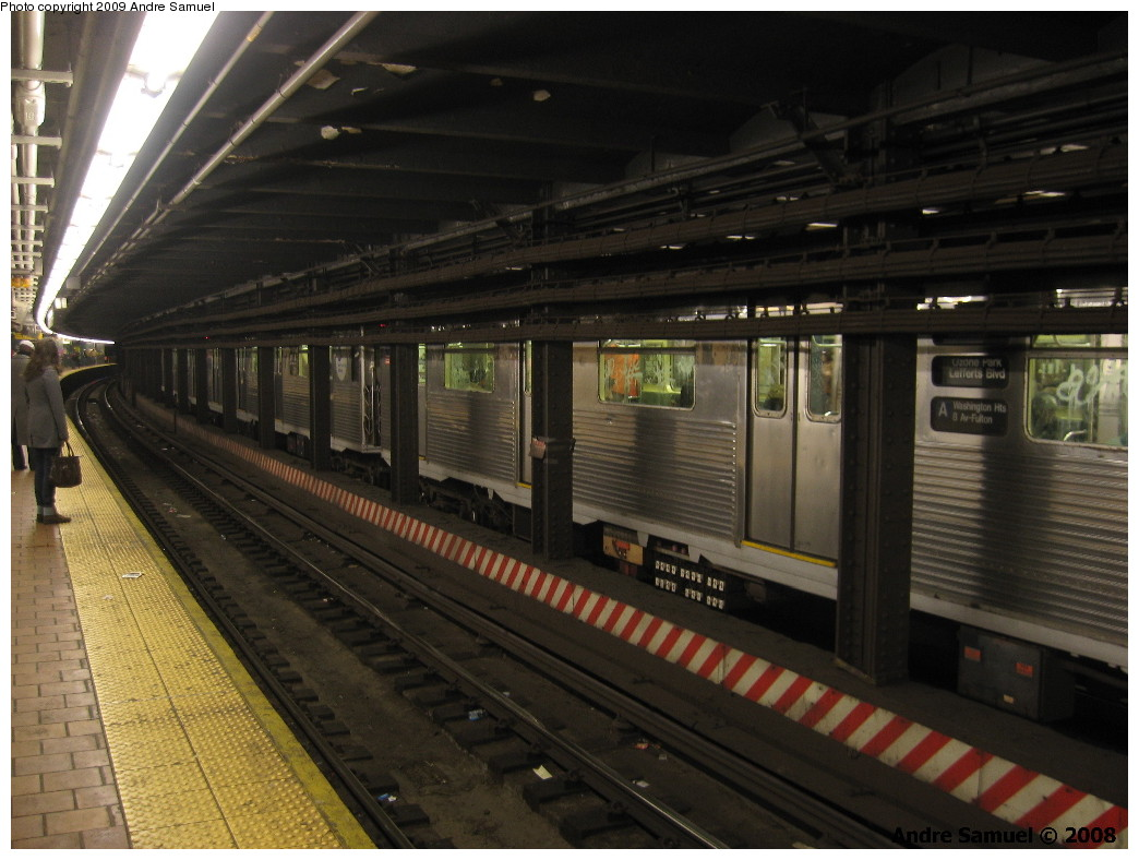 (211k, 1044x788)<br><b>Country:</b> United States<br><b>City:</b> New York<br><b>System:</b> New York City Transit<br><b>Line:</b> IND 8th Avenue Line<br><b>Location:</b> 125th Street <br><b>Car:</b> R-38 (St. Louis, 1966-1967)   <br><b>Photo by:</b> Andre Samuel<br><b>Date:</b> 3/1/2008<br><b>Notes:</b> Northbound R38 A train, view from the southbound platform.<br><b>Viewed (this week/total):</b> 1 / 2721