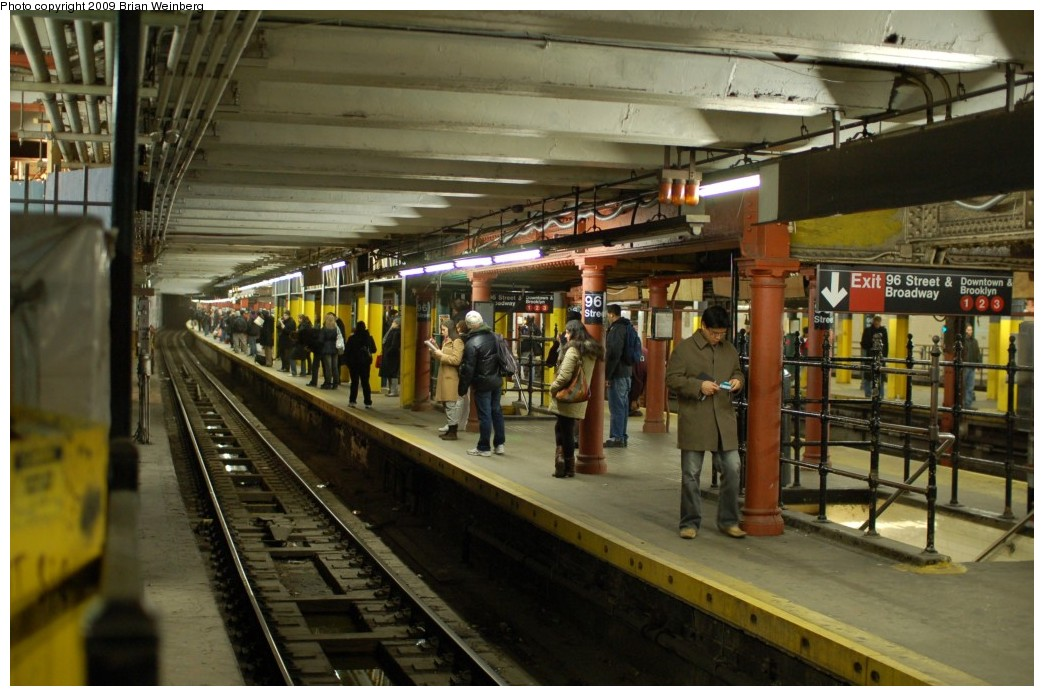 (248k, 1044x696)<br><b>Country:</b> United States<br><b>City:</b> New York<br><b>System:</b> New York City Transit<br><b>Line:</b> IRT West Side Line<br><b>Location:</b> 96th Street <br><b>Photo by:</b> Brian Weinberg<br><b>Date:</b> 2/25/2009<br><b>Notes:</b> Note ongoing station renovations.<br><b>Viewed (this week/total):</b> 0 / 2130