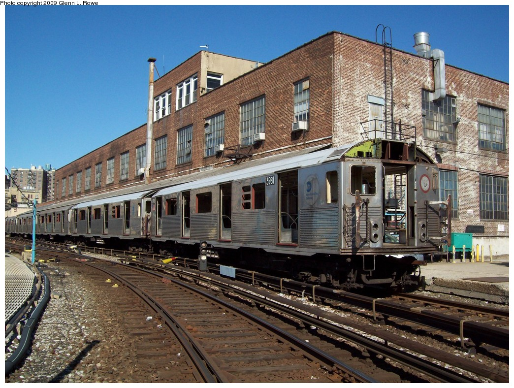 (308k, 1044x788)<br><b>Country:</b> United States<br><b>City:</b> New York<br><b>System:</b> New York City Transit<br><b>Location:</b> 207th Street Yard<br><b>Car:</b> R-38 (St. Louis, 1966-1967)  3981/3980 <br><b>Photo by:</b> Glenn L. Rowe<br><b>Date:</b> 2/25/2009<br><b>Notes:</b> Scrap<br><b>Viewed (this week/total):</b> 0 / 1660