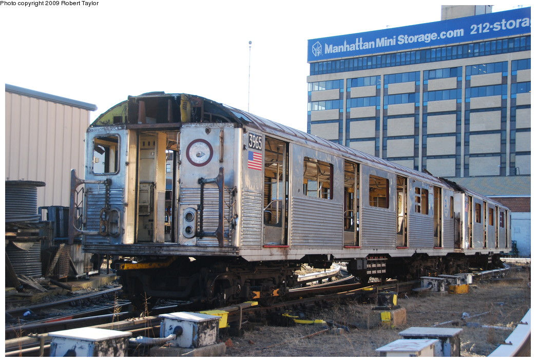 (280k, 1044x705)<br><b>Country:</b> United States<br><b>City:</b> New York<br><b>System:</b> New York City Transit<br><b>Location:</b> 207th Street Yard<br><b>Car:</b> R-38 (St. Louis, 1966-1967)  3965 <br><b>Photo by:</b> Robert Taylor<br><b>Date:</b> 2/16/2009<br><b>Notes:</b> Scrap<br><b>Viewed (this week/total):</b> 1 / 1235