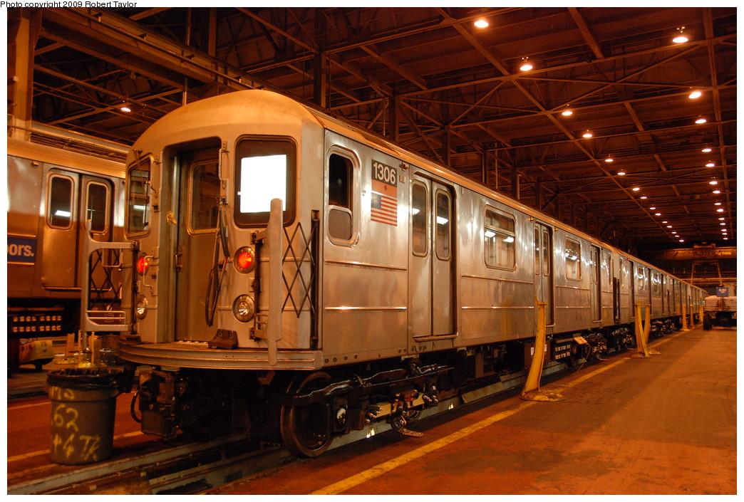 (298k, 1044x705)<br><b>Country:</b> United States<br><b>City:</b> New York<br><b>System:</b> New York City Transit<br><b>Location:</b> 207th Street Shop<br><b>Car:</b> R-62 (Kawasaki, 1983-1985)  1306 <br><b>Photo by:</b> Robert Taylor<br><b>Date:</b> 1/24/2009<br><b>Viewed (this week/total):</b> 0 / 1299