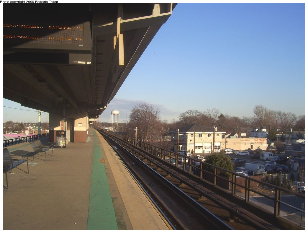 (171k, 1044x791)<br><b>Country:</b> United States<br><b>System:</b> Long Island Rail Road<br><b>Line:</b> LIRR Babylon<br><b>Location:</b> Copiague <br><b>Photo by:</b> Roberto C. Tobar<br><b>Date:</b> 2/14/2009<br><b>Notes:</b> Platform view.<br><b>Viewed (this week/total):</b> 0 / 630