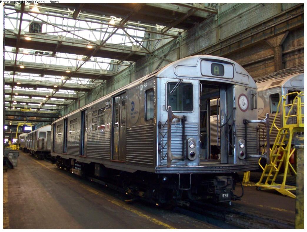 (249k, 1044x788)<br><b>Country:</b> United States<br><b>City:</b> New York<br><b>System:</b> New York City Transit<br><b>Location:</b> 207th Street Yard<br><b>Car:</b> R-38 (St. Louis, 1966-1967)  3969 <br><b>Photo by:</b> Glenn L. Rowe<br><b>Date:</b> 2/24/2009<br><b>Notes:</b> Scrap<br><b>Viewed (this week/total):</b> 0 / 966