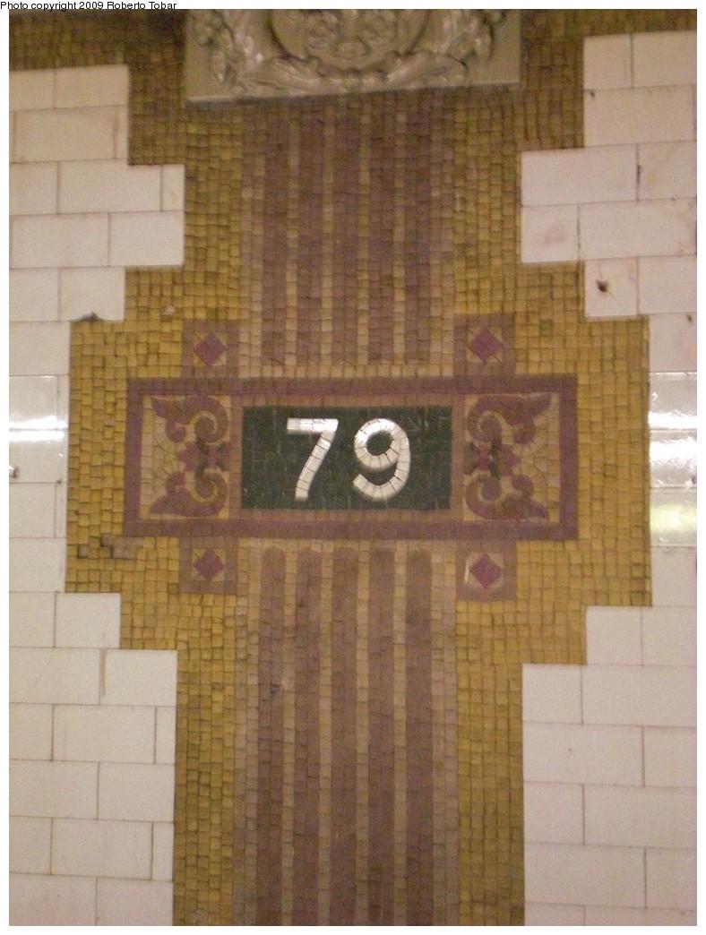 (217k, 788x1044)<br><b>Country:</b> United States<br><b>City:</b> New York<br><b>System:</b> New York City Transit<br><b>Line:</b> IRT West Side Line<br><b>Location:</b> 79th Street <br><b>Photo by:</b> Roberto C. Tobar<br><b>Date:</b> 2/27/2009<br><b>Viewed (this week/total):</b> 1 / 1343