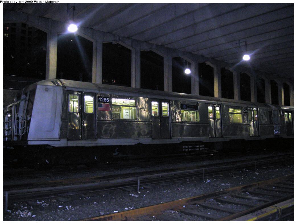 (293k, 1044x788)<br><b>Country:</b> United States<br><b>City:</b> New York<br><b>System:</b> New York City Transit<br><b>Location:</b> Pitkin Yard/Shops<br><b>Car:</b> R-40 (St. Louis, 1968)  4286 <br><b>Photo by:</b> Robert Mencher<br><b>Date:</b> 2/28/2009<br><b>Viewed (this week/total):</b> 0 / 1130