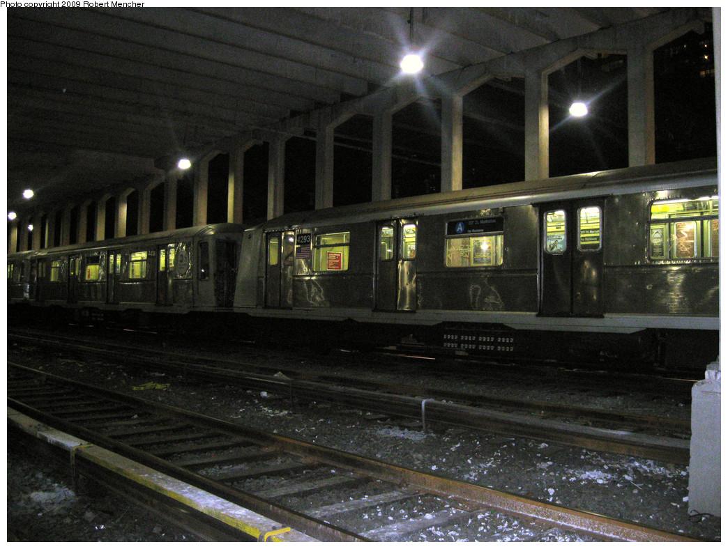 (315k, 1044x788)<br><b>Country:</b> United States<br><b>City:</b> New York<br><b>System:</b> New York City Transit<br><b>Location:</b> Pitkin Yard/Shops<br><b>Car:</b> R-40 (St. Louis, 1968)  4293 <br><b>Photo by:</b> Robert Mencher<br><b>Date:</b> 2/28/2009<br><b>Viewed (this week/total):</b> 1 / 1118