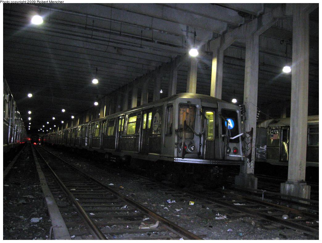 (320k, 1044x788)<br><b>Country:</b> United States<br><b>City:</b> New York<br><b>System:</b> New York City Transit<br><b>Location:</b> Pitkin Yard/Shops<br><b>Car:</b> R-40 (St. Louis, 1968)  4365 <br><b>Photo by:</b> Robert Mencher<br><b>Date:</b> 2/28/2009<br><b>Viewed (this week/total):</b> 0 / 1406