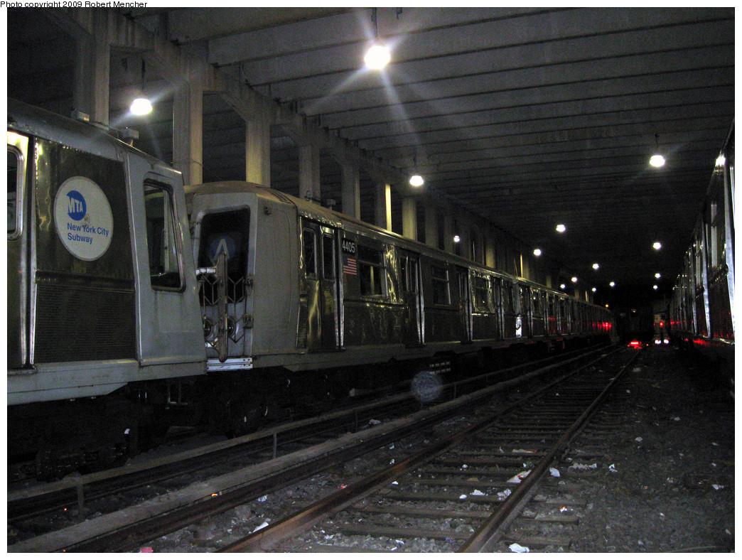 (314k, 1044x788)<br><b>Country:</b> United States<br><b>City:</b> New York<br><b>System:</b> New York City Transit<br><b>Location:</b> Pitkin Yard/Shops<br><b>Car:</b> R-40 (St. Louis, 1968)  4405 <br><b>Photo by:</b> Robert Mencher<br><b>Date:</b> 2/28/2009<br><b>Viewed (this week/total):</b> 0 / 1042