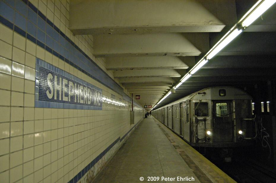 (191k, 930x618)<br><b>Country:</b> United States<br><b>City:</b> New York<br><b>System:</b> New York City Transit<br><b>Line:</b> IND Fulton Street Line<br><b>Location:</b> Shepherd Avenue <br><b>Route:</b> C<br><b>Car:</b> R-32 (Budd, 1964)  3416 <br><b>Photo by:</b> Peter Ehrlich<br><b>Date:</b> 2/24/2009<br><b>Notes:</b> Inbound<br><b>Viewed (this week/total):</b> 4 / 2786