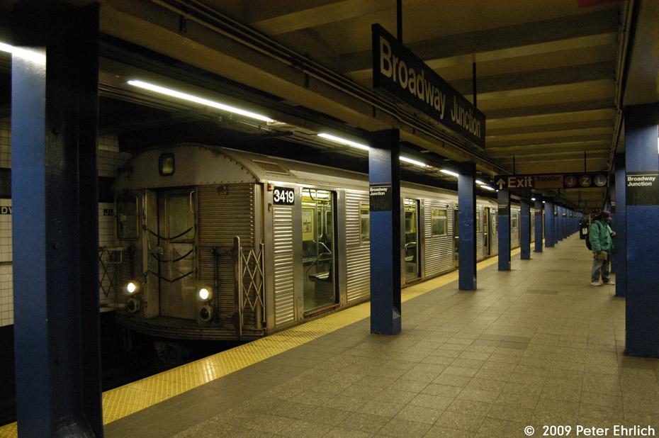 (201k, 930x618)<br><b>Country:</b> United States<br><b>City:</b> New York<br><b>System:</b> New York City Transit<br><b>Line:</b> IND Fulton Street Line<br><b>Location:</b> Broadway/East New York (Broadway Junction) <br><b>Route:</b> C<br><b>Car:</b> R-32 (Budd, 1964)  3419 <br><b>Photo by:</b> Peter Ehrlich<br><b>Date:</b> 2/24/2009<br><b>Notes:</b> Inbound<br><b>Viewed (this week/total):</b> 3 / 1560