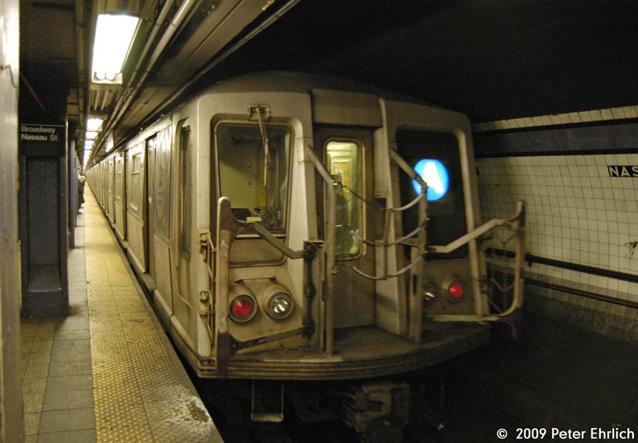 (213k, 930x645)<br><b>Country:</b> United States<br><b>City:</b> New York<br><b>System:</b> New York City Transit<br><b>Line:</b> IND 8th Avenue Line<br><b>Location:</b> Fulton Street (Broadway/Nassau) <br><b>Route:</b> A<br><b>Car:</b> R-40 (St. Louis, 1968)  4274 <br><b>Photo by:</b> Peter Ehrlich<br><b>Date:</b> 2/24/2009<br><b>Notes:</b> Outbound<br><b>Viewed (this week/total):</b> 0 / 1850