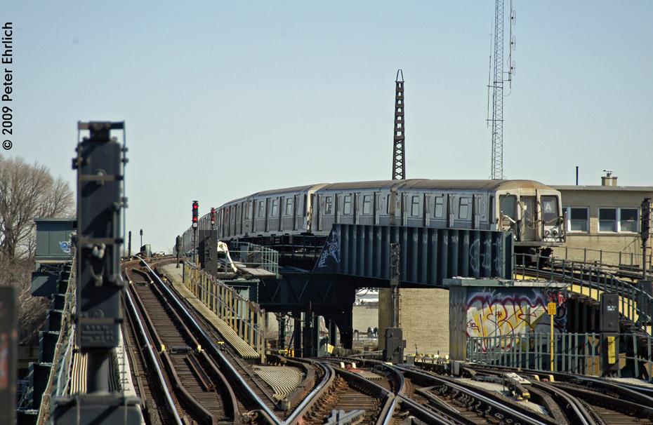 (209k, 930x606)<br><b>Country:</b> United States<br><b>City:</b> New York<br><b>System:</b> New York City Transit<br><b>Line:</b> IND Fulton Street Line<br><b>Location:</b> Rockaway Boulevard <br><b>Route:</b> A<br><b>Car:</b> R-40 (St. Louis, 1968)  4330 <br><b>Photo by:</b> Peter Ehrlich<br><b>Date:</b> 2/24/2009<br><b>Notes:</b> Outbound<br><b>Viewed (this week/total):</b> 0 / 1566