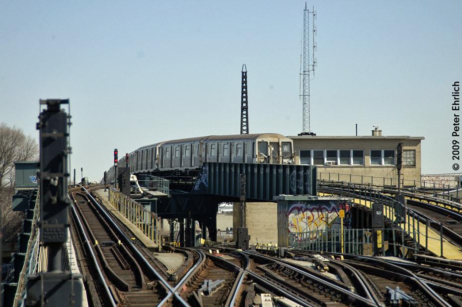 (215k, 930x618)<br><b>Country:</b> United States<br><b>City:</b> New York<br><b>System:</b> New York City Transit<br><b>Line:</b> IND Fulton Street Line<br><b>Location:</b> Rockaway Boulevard <br><b>Route:</b> A<br><b>Car:</b> R-40 (St. Louis, 1968)  4330 <br><b>Photo by:</b> Peter Ehrlich<br><b>Date:</b> 2/24/2009<br><b>Notes:</b> Outbound<br><b>Viewed (this week/total):</b> 0 / 1540