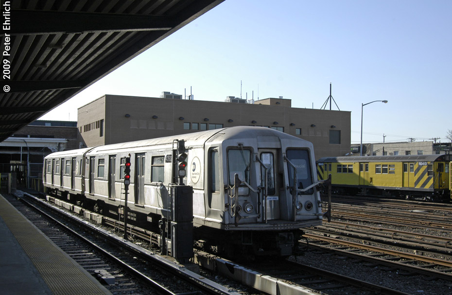 (194k, 930x607)<br><b>Country:</b> United States<br><b>City:</b> New York<br><b>System:</b> New York City Transit<br><b>Location:</b> Rockaway Park Yard<br><b>Car:</b> R-40 (St. Louis, 1968)  4393 <br><b>Photo by:</b> Peter Ehrlich<br><b>Date:</b> 2/24/2009<br><b>Notes:</b> 4392/4393 are out of passenger service, but are still used for non-revenue trains.<br><b>Viewed (this week/total):</b> 0 / 1428