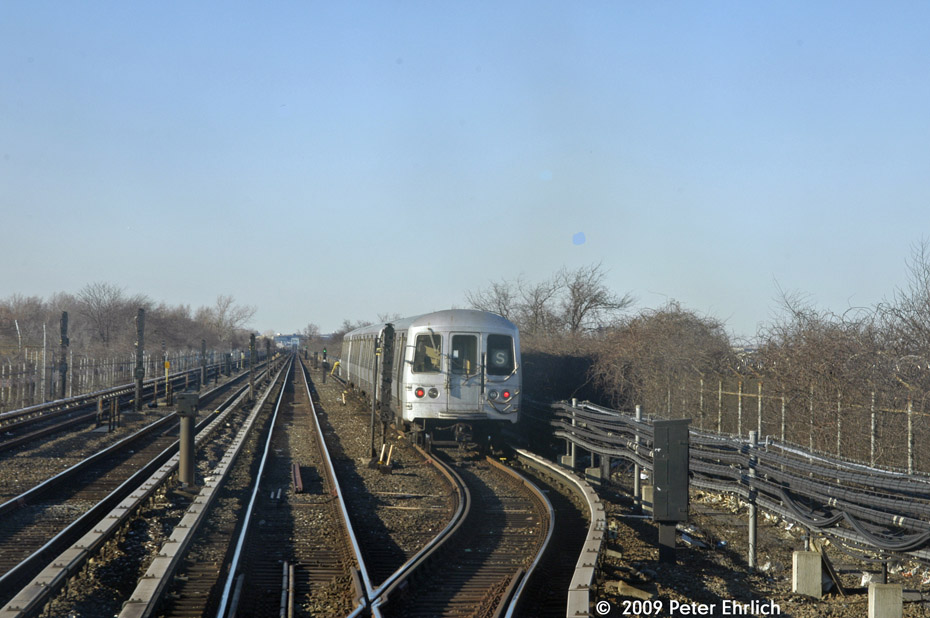 (183k, 930x618)<br><b>Country:</b> United States<br><b>City:</b> New York<br><b>System:</b> New York City Transit<br><b>Line:</b> IND Rockaway<br><b>Location:</b> Broad Channel <br><b>Route:</b> A<br><b>Car:</b> R-44 (St. Louis, 1971-73) 5206 <br><b>Photo by:</b> Peter Ehrlich<br><b>Date:</b> 2/24/2009<br><b>Notes:</b> Broad Channel, layup area for shuttles<br><b>Viewed (this week/total):</b> 1 / 1926