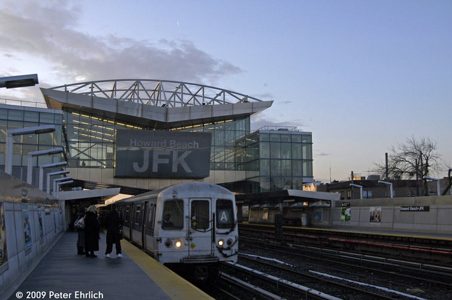 (171k, 930x618)<br><b>Country:</b> United States<br><b>City:</b> New York<br><b>System:</b> New York City Transit<br><b>Line:</b> IND Rockaway<br><b>Location:</b> Howard Beach <br><b>Route:</b> A<br><b>Car:</b> R-44 (St. Louis, 1971-73) 5306 <br><b>Photo by:</b> Peter Ehrlich<br><b>Date:</b> 2/19/2009<br><b>Notes:</b> Inbound<br><b>Viewed (this week/total):</b> 1 / 1448