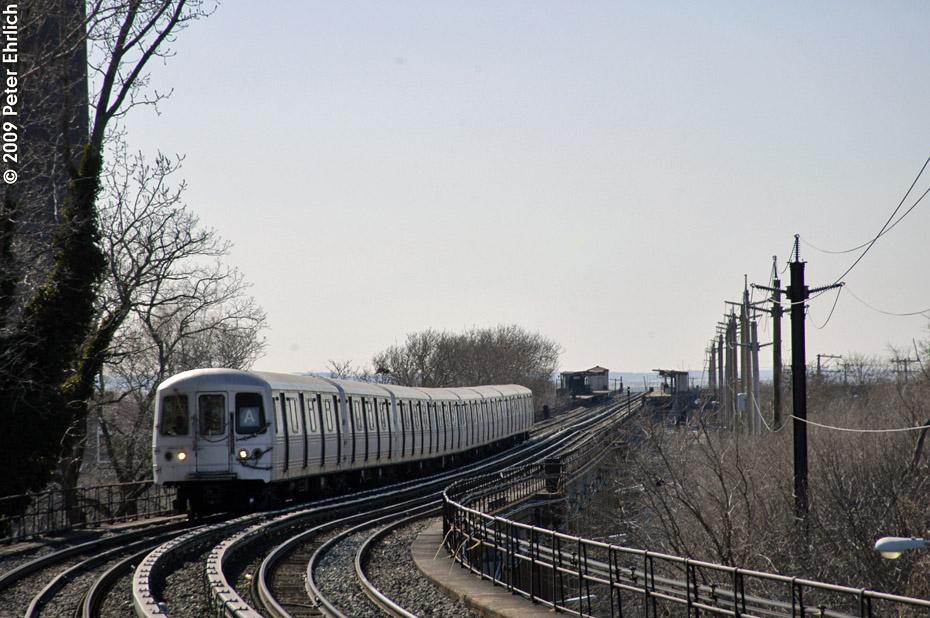 (210k, 930x618)<br><b>Country:</b> United States<br><b>City:</b> New York<br><b>System:</b> New York City Transit<br><b>Line:</b> IND Rockaway<br><b>Location:</b> Beach 25th Street/Wavecrest <br><b>Route:</b> A<br><b>Car:</b> R-44 (St. Louis, 1971-73) 5316 <br><b>Photo by:</b> Peter Ehrlich<br><b>Date:</b> 2/24/2009<br><b>Notes:</b> Outbound<br><b>Viewed (this week/total):</b> 0 / 1285