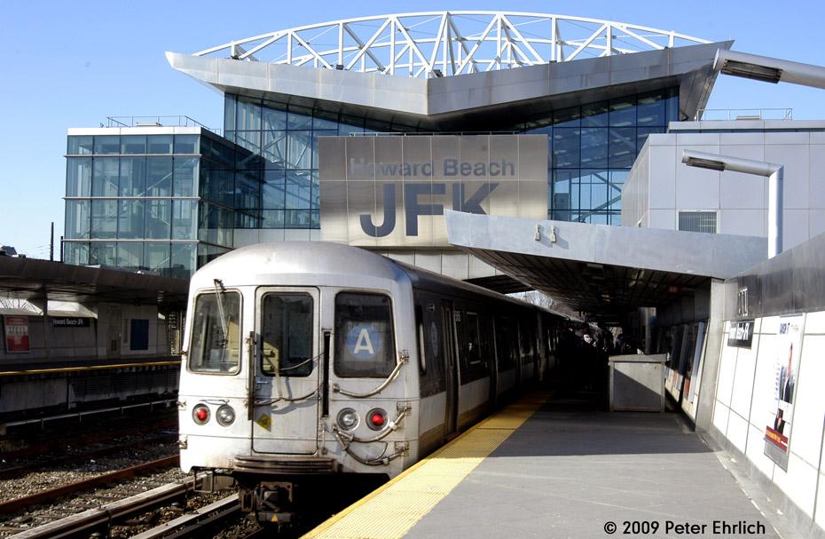 (209k, 930x607)<br><b>Country:</b> United States<br><b>City:</b> New York<br><b>System:</b> New York City Transit<br><b>Line:</b> IND Rockaway<br><b>Location:</b> Howard Beach <br><b>Route:</b> A<br><b>Car:</b> R-44 (St. Louis, 1971-73) 5452 <br><b>Photo by:</b> Peter Ehrlich<br><b>Date:</b> 2/24/2009<br><b>Notes:</b> Inbound<br><b>Viewed (this week/total):</b> 0 / 1350