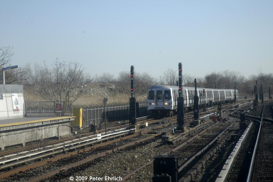 (193k, 930x618)<br><b>Country:</b> United States<br><b>City:</b> New York<br><b>System:</b> New York City Transit<br><b>Line:</b> IND Rockaway<br><b>Location:</b> Howard Beach <br><b>Route:</b> A<br><b>Car:</b> R-44 (St. Louis, 1971-73) 5472 <br><b>Photo by:</b> Peter Ehrlich<br><b>Date:</b> 2/24/2009<br><b>Notes:</b> Inbound<br><b>Viewed (this week/total):</b> 2 / 1369