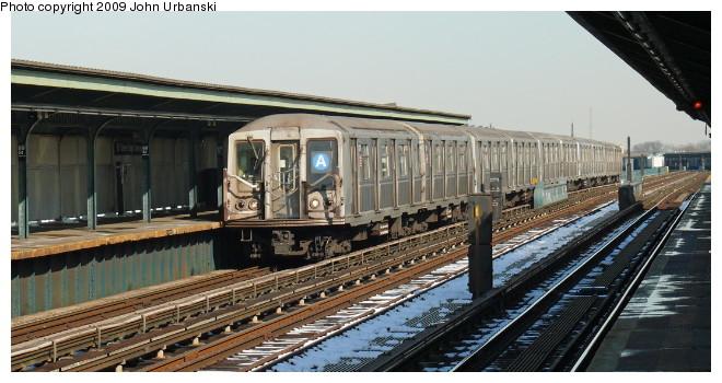 (87k, 660x350)<br><b>Country:</b> United States<br><b>City:</b> New York<br><b>System:</b> New York City Transit<br><b>Line:</b> IND Fulton Street Line<br><b>Location:</b> 88th Street/Boyd Avenue <br><b>Route:</b> A<br><b>Car:</b> R-40 (St. Louis, 1968)  4370 <br><b>Photo by:</b> John Urbanski<br><b>Date:</b> 3/5/2009<br><b>Viewed (this week/total):</b> 1 / 1302
