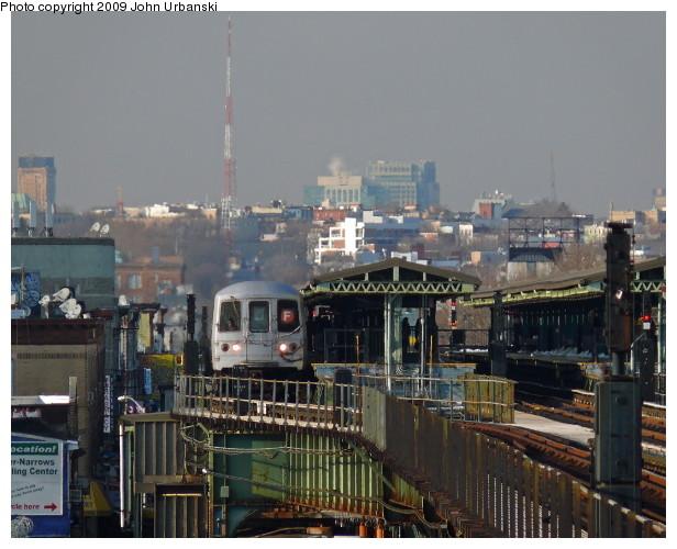 (92k, 616x500)<br><b>Country:</b> United States<br><b>City:</b> New York<br><b>System:</b> New York City Transit<br><b>Line:</b> BMT Culver Line<br><b>Location:</b> 18th Avenue <br><b>Route:</b> F<br><b>Car:</b> R-46 (Pullman-Standard, 1974-75) 5980 <br><b>Photo by:</b> John Urbanski<br><b>Date:</b> 3/5/2009<br><b>Viewed (this week/total):</b> 1 / 1563