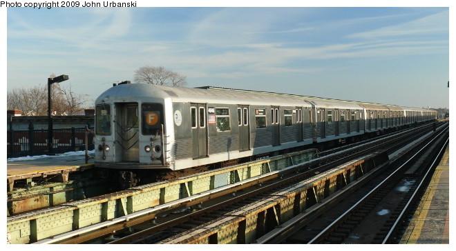 (82k, 660x364)<br><b>Country:</b> United States<br><b>City:</b> New York<br><b>System:</b> New York City Transit<br><b>Line:</b> BMT Culver Line<br><b>Location:</b> Avenue I <br><b>Route:</b> F<br><b>Car:</b> R-42 (St. Louis, 1969-1970)  4646 <br><b>Photo by:</b> John Urbanski<br><b>Date:</b> 3/5/2009<br><b>Viewed (this week/total):</b> 5 / 1238
