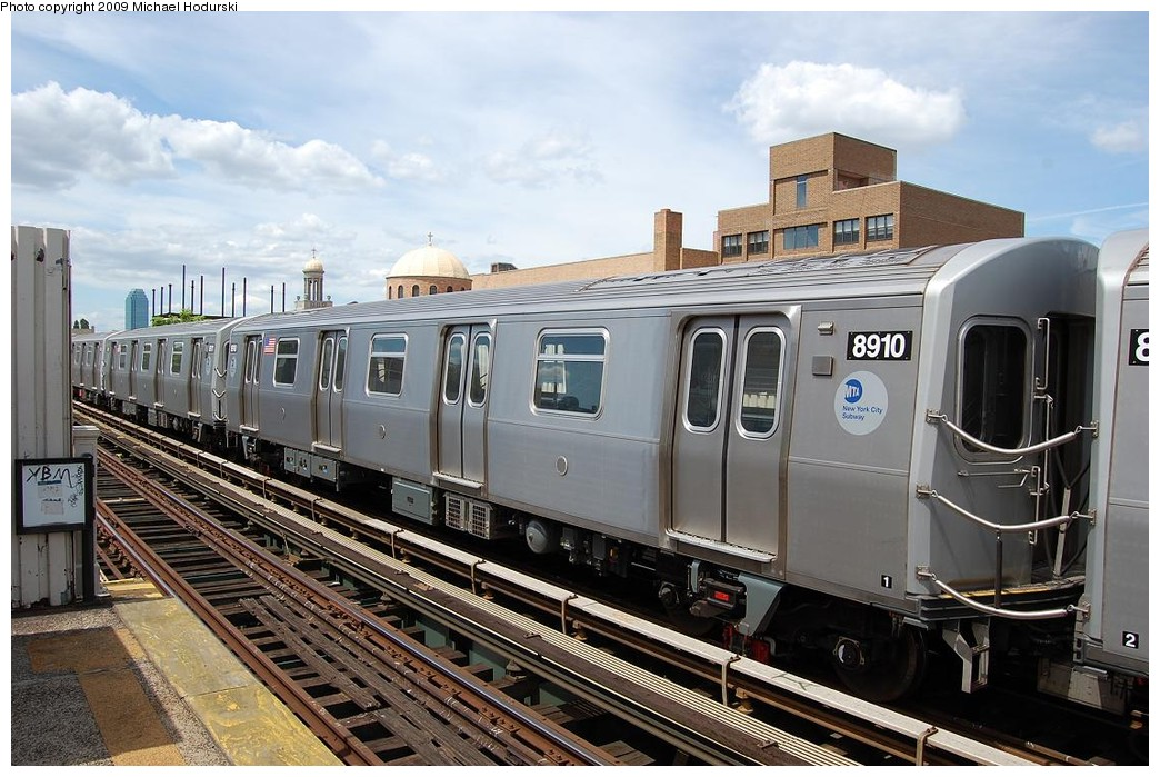 (243k, 1044x699)<br><b>Country:</b> United States<br><b>City:</b> New York<br><b>System:</b> New York City Transit<br><b>Line:</b> BMT Astoria Line<br><b>Location:</b> 30th/Grand Aves. <br><b>Route:</b> N Lay-up<br><b>Car:</b> R-160B (Kawasaki, 2005-2008)  8910 <br><b>Photo by:</b> Michael Hodurski<br><b>Date:</b> 5/23/2008<br><b>Viewed (this week/total):</b> 1 / 1507