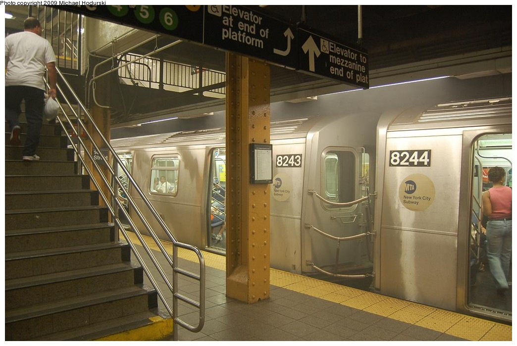 (222k, 1044x699)<br><b>Country:</b> United States<br><b>City:</b> New York<br><b>System:</b> New York City Transit<br><b>Line:</b> BMT Canarsie Line<br><b>Location:</b> Union Square <br><b>Route:</b> L<br><b>Car:</b> R-143 (Kawasaki, 2001-2002) 8243 <br><b>Photo by:</b> Michael Hodurski<br><b>Date:</b> 6/6/2008<br><b>Viewed (this week/total):</b> 2 / 2123