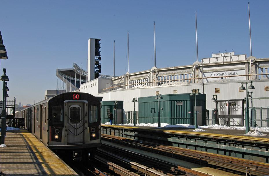 (197k, 930x609)<br><b>Country:</b> United States<br><b>City:</b> New York<br><b>System:</b> New York City Transit<br><b>Line:</b> IRT Woodlawn Line<br><b>Location:</b> 161st Street/River Avenue (Yankee Stadium) <br><b>Route:</b> 4<br><b>Car:</b> R-142 (Option Order, Bombardier, 2002-2003)  1115 <br><b>Photo by:</b> Peter Ehrlich<br><b>Date:</b> 3/4/2009<br><b>Notes:</b> Outbound.<br><b>Viewed (this week/total):</b> 2 / 1325