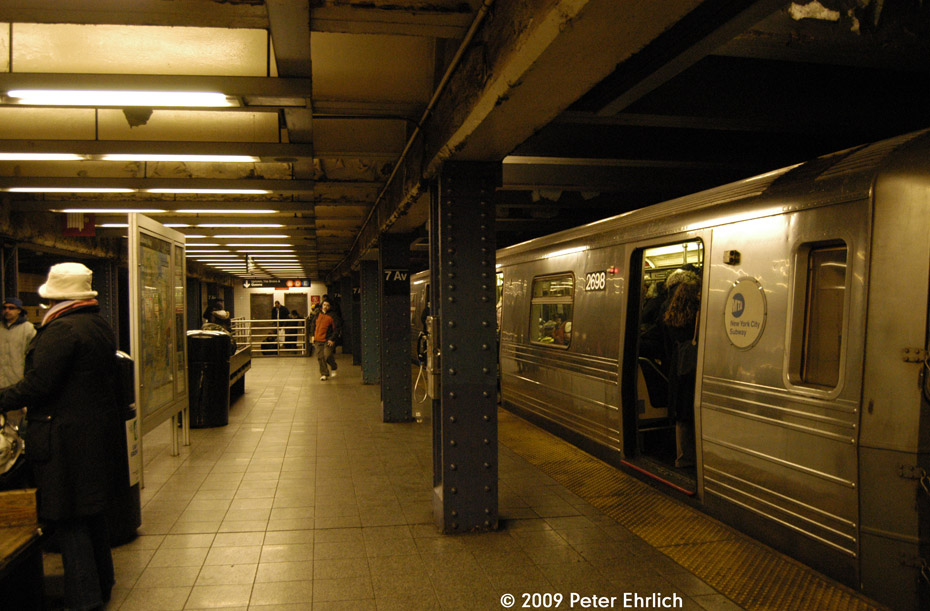 (208k, 930x611)<br><b>Country:</b> United States<br><b>City:</b> New York<br><b>System:</b> New York City Transit<br><b>Line:</b> IND Queens Boulevard Line<br><b>Location:</b> 7th Avenue/53rd Street <br><b>Car:</b> R-68 (Westinghouse-Amrail, 1986-1988)  2698 <br><b>Photo by:</b> Peter Ehrlich<br><b>Date:</b> 3/4/2009<br><b>Notes:</b> Inbound.<br><b>Viewed (this week/total):</b> 1 / 1798