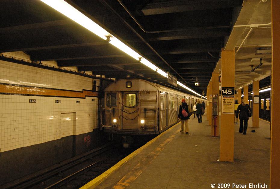 (221k, 930x628)<br><b>Country:</b> United States<br><b>City:</b> New York<br><b>System:</b> New York City Transit<br><b>Line:</b> IND 8th Avenue Line<br><b>Location:</b> 145th Street <br><b>Route:</b> C<br><b>Car:</b> R-32 (Budd, 1964)  3772 <br><b>Photo by:</b> Peter Ehrlich<br><b>Date:</b> 3/4/2009<br><b>Notes:</b> Inbound.<br><b>Viewed (this week/total):</b> 1 / 1869