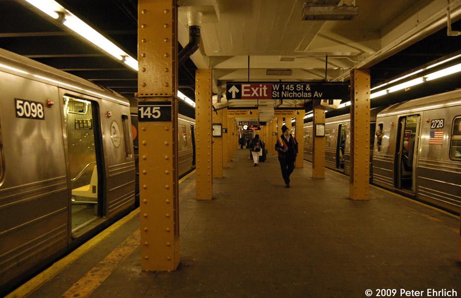(221k, 930x602)<br><b>Country:</b> United States<br><b>City:</b> New York<br><b>System:</b> New York City Transit<br><b>Line:</b> IND Concourse Line<br><b>Location:</b> 145th Street <br><b>Route:</b> D<br><b>Car:</b> R-68A (Kawasaki, 1988-1989)  5098 <br><b>Photo by:</b> Peter Ehrlich<br><b>Date:</b> 3/4/2009<br><b>Notes:</b> D train inbound.  With 2728 (B Train) on right.<br><b>Viewed (this week/total):</b> 0 / 1282